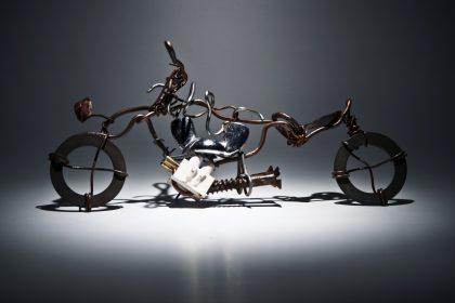 MOTOCYKL Z DRUTU