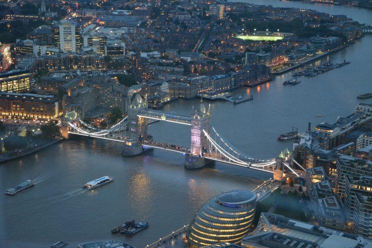 LONDYN-MOST-1