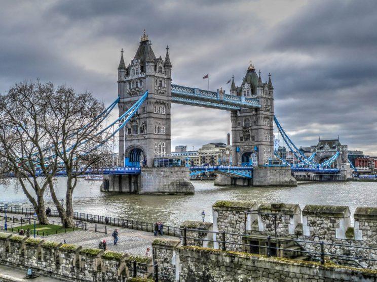 LONDYN-MOST-2
