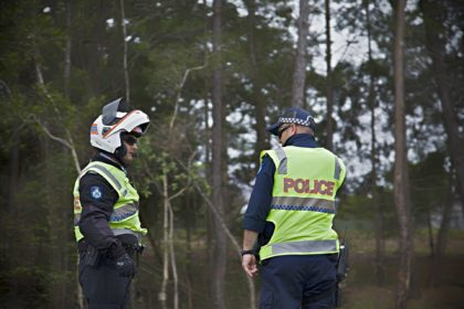 POLICJA-POLICE-MOTOCYKLISCI